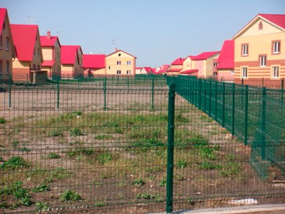 Забор вокруг котеджного поселка