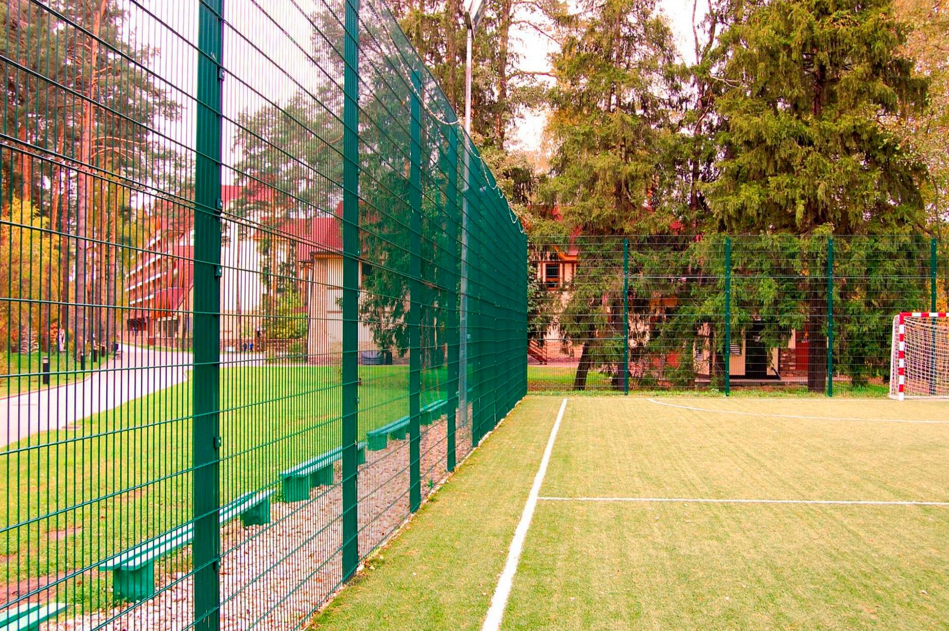 Ограждение спортивной площадки